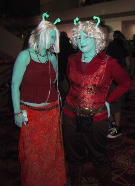 Ell and Vynni at Dragon Con 2006
